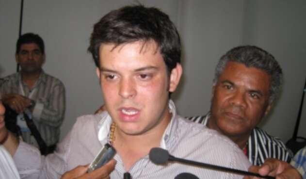 Alejandro Lyons de la Espriella se entregó en principios del pasado mes de noviembre .