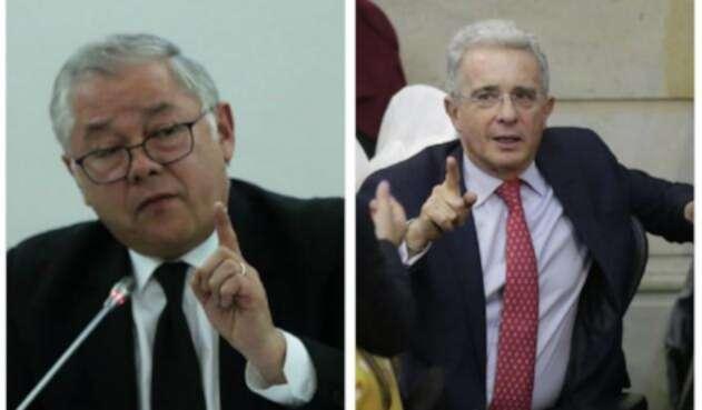 Magistrado José Luis Barceló y Álvaro Uribe de pelea por un tuit