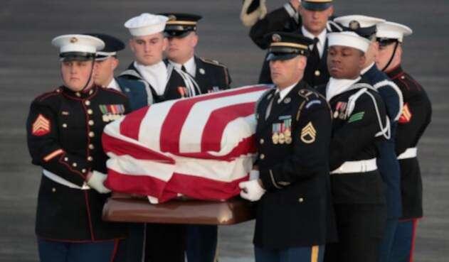 El féretro de George H.W. Bush vuelve a Texas para un último adiós
