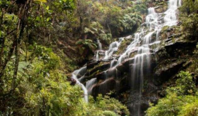 La Cascada de las Delicias está ubicada en los cerros orientales de Bogotá
