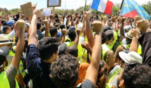 """Movimiento de los """"chalecos amarillos"""" en Francia"""