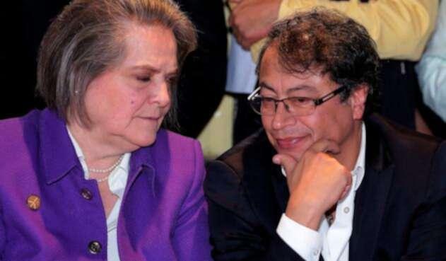 Clara López y Gustavo Petro, el 4 de diciembre de 2017 en Bogotá