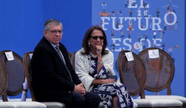 César Gaviria, expresidente de la República.y Ana Milena Muñoz de Gaviria, exprimera dama de la nación.