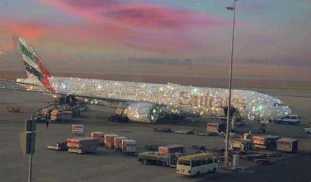 Avión de Emirates Arabes forrado en diamantes