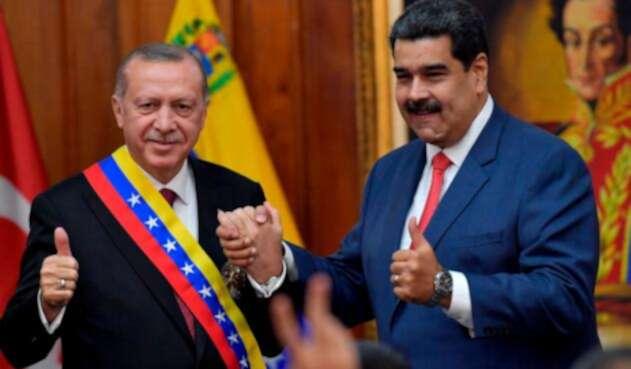 Recep Tayyip Erdogan y Nicolás Maduro, presidentes de Turquía y Venezuela, respectivamente, reunidos en Caracas