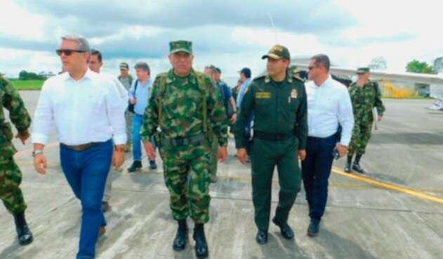 El presidente de la República, Iván Duque, arribando a Tumaco, en Nariño, donde sobrevoló la zona donde se adelantó la operación contra alias Guacho, el 2 de diciembre de 2018