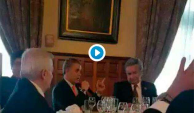 Los presidentes Iván Duque y Lenín Moreno en el marco de su encuentro en Ecuador