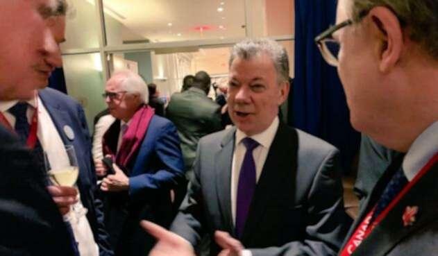"""Juan Manuel Santos asistió al estreno del documental """"A Call for Peace"""""""