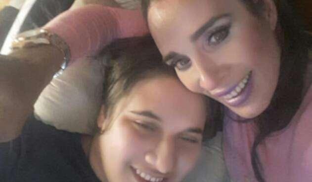 Lully Bossa y su hijo Ángelo