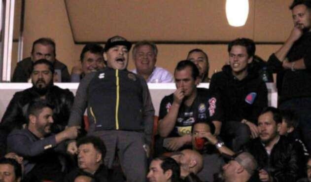 Diego Maradona en la final de la Liga de Ascenso del fútbol mexicano
