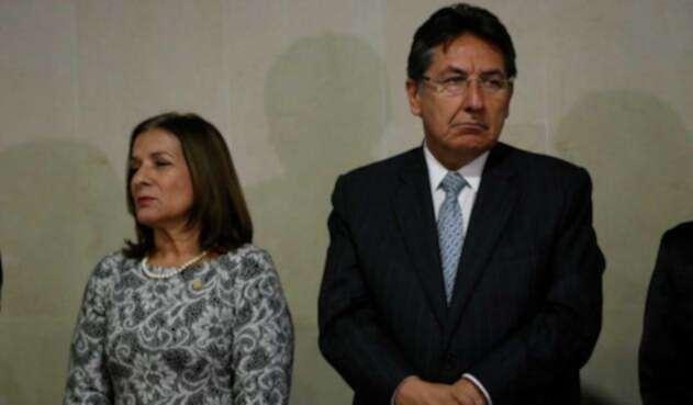 Margarita Cabello, expresidenta de la Corte Suprema de Justicia y Néstor Humberto Martínez, Fiscal General de la Nación