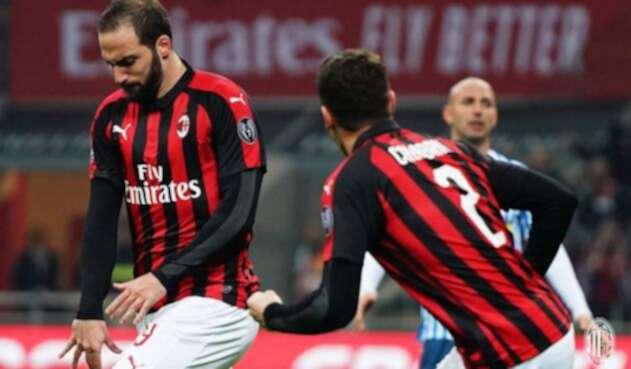 Gonzalo Higuaín celebra un gol con el Milan