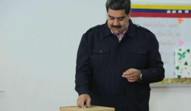 Nicolás Maduro, presidente de Venezuela, votando en las elecciones municipales, en Caracas