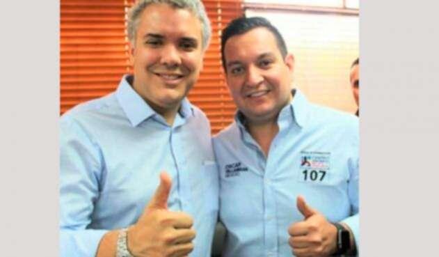 La foto que tiene el representante Óscar Villamizar en su perfil de Twitter, junto al presidente Iván Duque