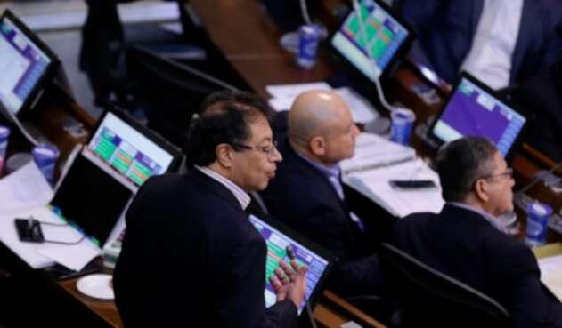 El senador Gustavo Petro en el Congreso de la República.