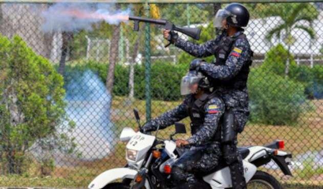 Policías venezolanos en Caracas durante una marcha estudiantil, el 21 de noviembre de 2018