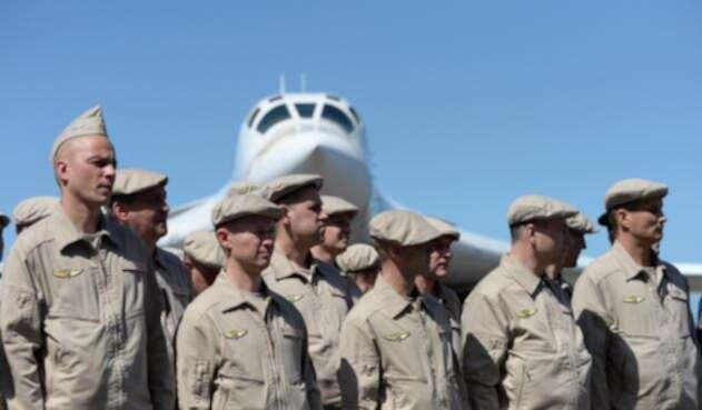 """Llegan a Venezuela aviones militares de Rusia para """"ejercicios de defensa""""."""