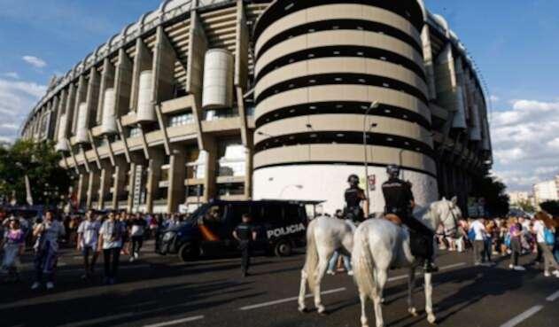 Las autoridades en el estadio Santiago Bernabéu, en Madrid (España)