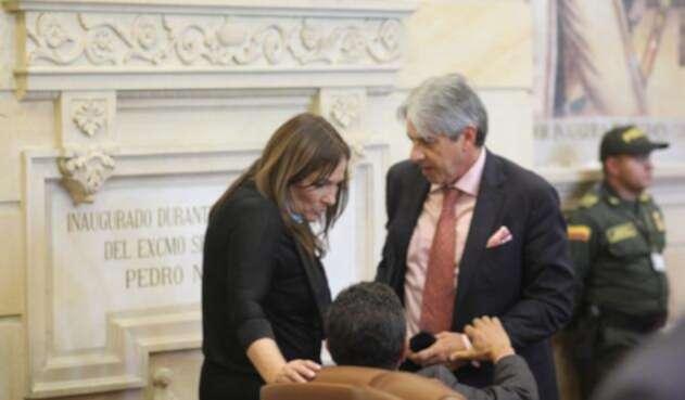 Susana Correa, directora del DPS, señalada de intimidar al Congreso en discusión de reforma política.