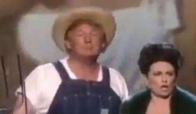 Donald Trump disfrazado de granjero
