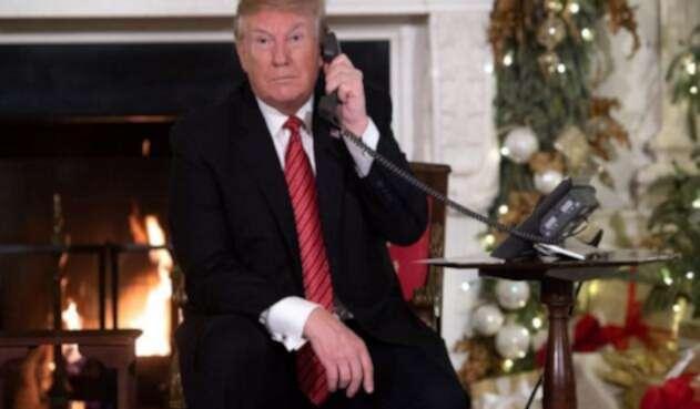 """Trump le pregunta a un niño de 7 años: """"¿todavía crees en Santa Claus?""""."""