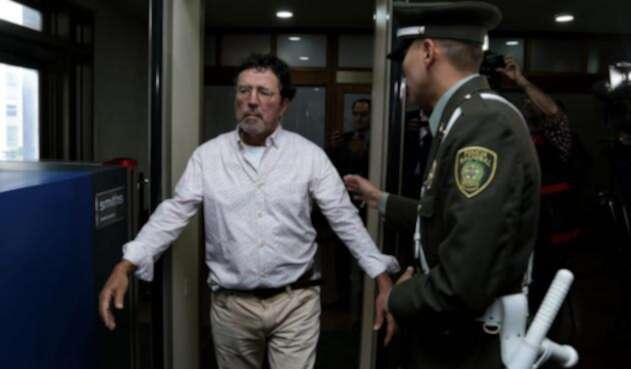 Simón Vélez acude a la Corte Suprema de Justicia