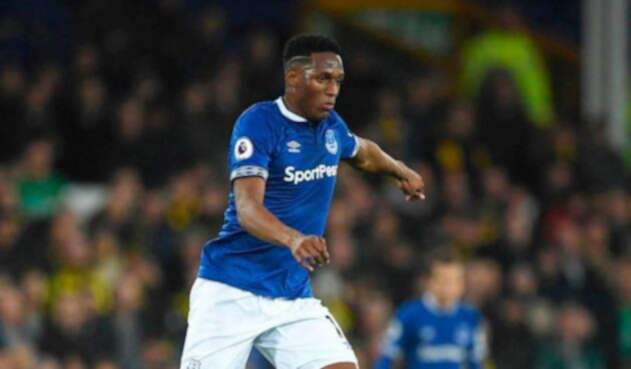 Yerry Mina anota con el Everton