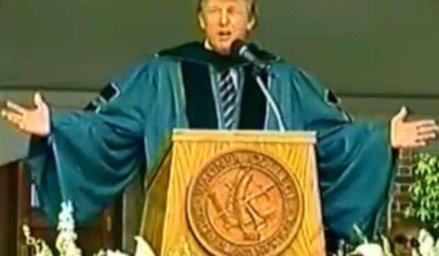 Donald Trump durante un discurso en 2004 en la Universidad Wagner.