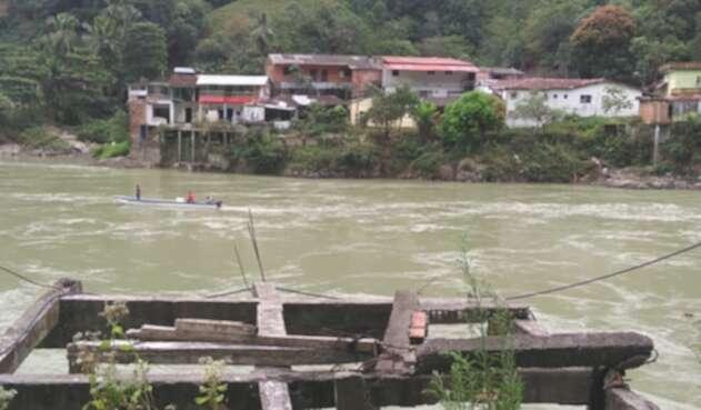 Suspendida la pesca y la minería en Puerto Valdivia por temor a una nueva emergencia en Hidroituango