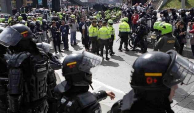 PROTESTAS PROHIBICION PARRILLERO HOMBRE ESMAD POLICIA