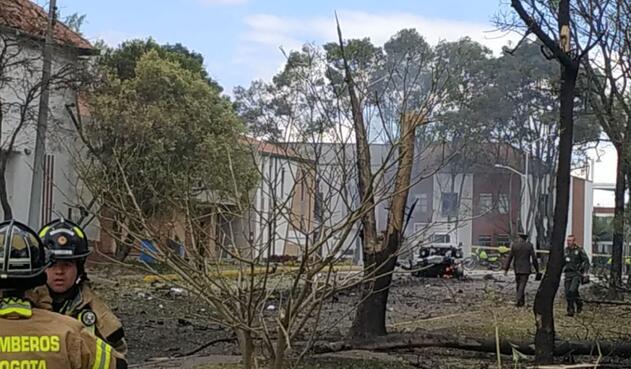 Varias viviendas alrededor de la escuela se afectaron.