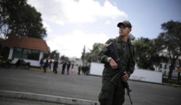 Luego del atentado se debieron extremar las medidas de seguridad en la Escuela General Santander.