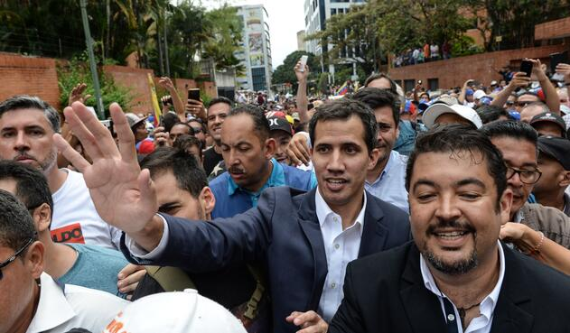 Trump reconoció al líder opositor Juan Guaidó como presidente interino de Venezuela.