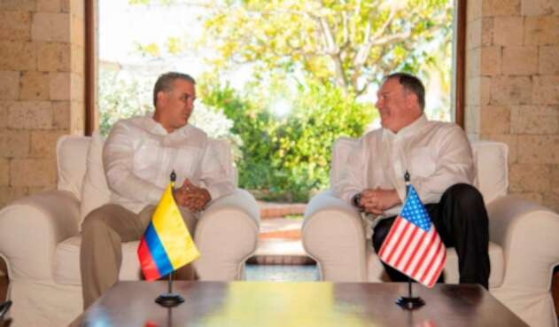 Iván Duque junto a Mike Pompeo en Cartagena