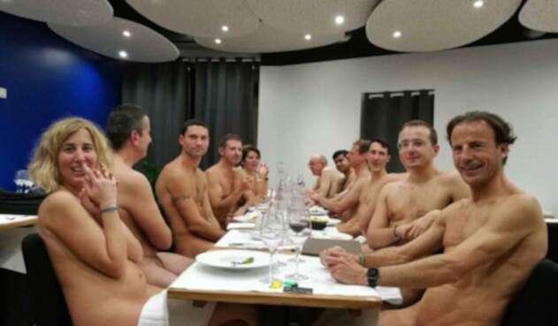 No le fue bien el restaurante nudista de París.