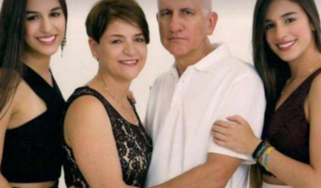 La familia falleció en un accidente de tránsito.