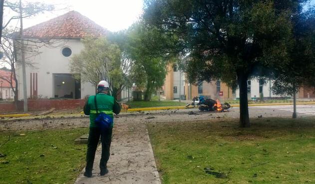 El carro bomba en la Escuela General Santander