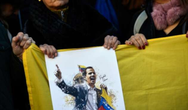 Venezolanos en Madrid (España) apoyando a Juan Guaidó, presidente de la Asamblea Nacional de Venezuela