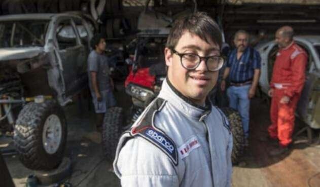 El peruano Lucas Barrón hará historia en el Rally Dakar 2019, cuando a partir del 6 de enero se transforme en el primer competidor con síndrome de Down.