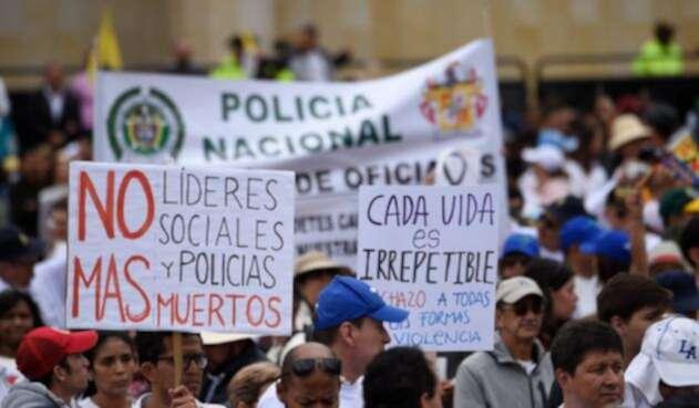 Las marchas en Bogotá luego del asesinato de los cadetes en la Escuela General Santander