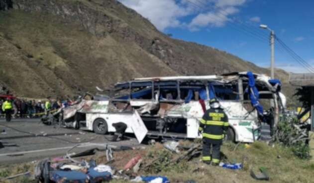 La zona del accidente de bus en Ecuador.