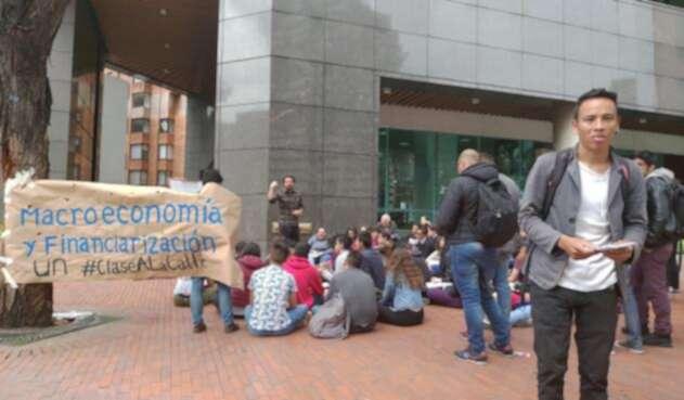 Paro estudiantes calle universidad nacional