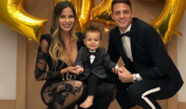 Santiago Arias y su esposa despidiendo el año 2018