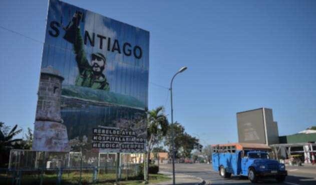 Santiago de Cuba, con un valla en tributo a Fidel Castro