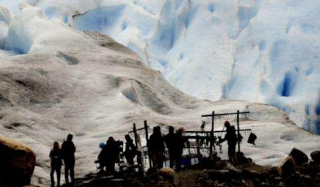 Cubrir los glaciares con las sábanas reduce el 70 % el derretimiento del hielo.