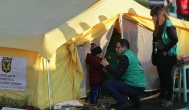 Venezolanos en campamento son desalojados