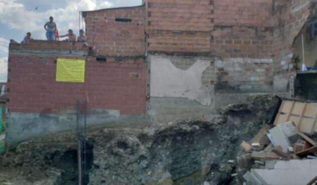 Colapso de viviendas en el barrio Doce de Octubre.