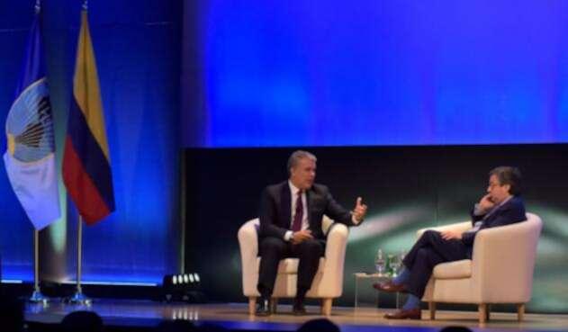 Presidente Iván Duque y el presidente del BID, Luis Alberto Moreno.