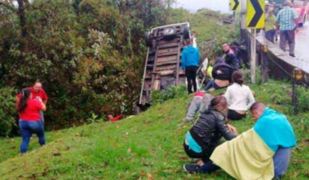 Accidente en vía La Linea deja cuatro muertos