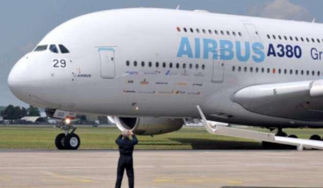 Un Airbus A380 aterrizando en París, el 14 de febrero de 2019